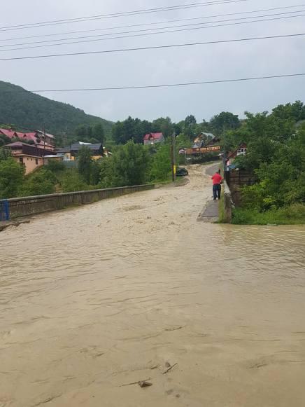 inundatii slanic moldova 1
