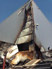 incendiu auchan perete