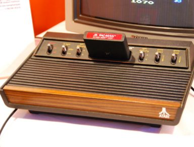 https://i1.wp.com/zdnet.fr/i/edit/39383719/festival-jeux-video-2008-02-atari-vcs-2600.jpg?resize=384%2C290