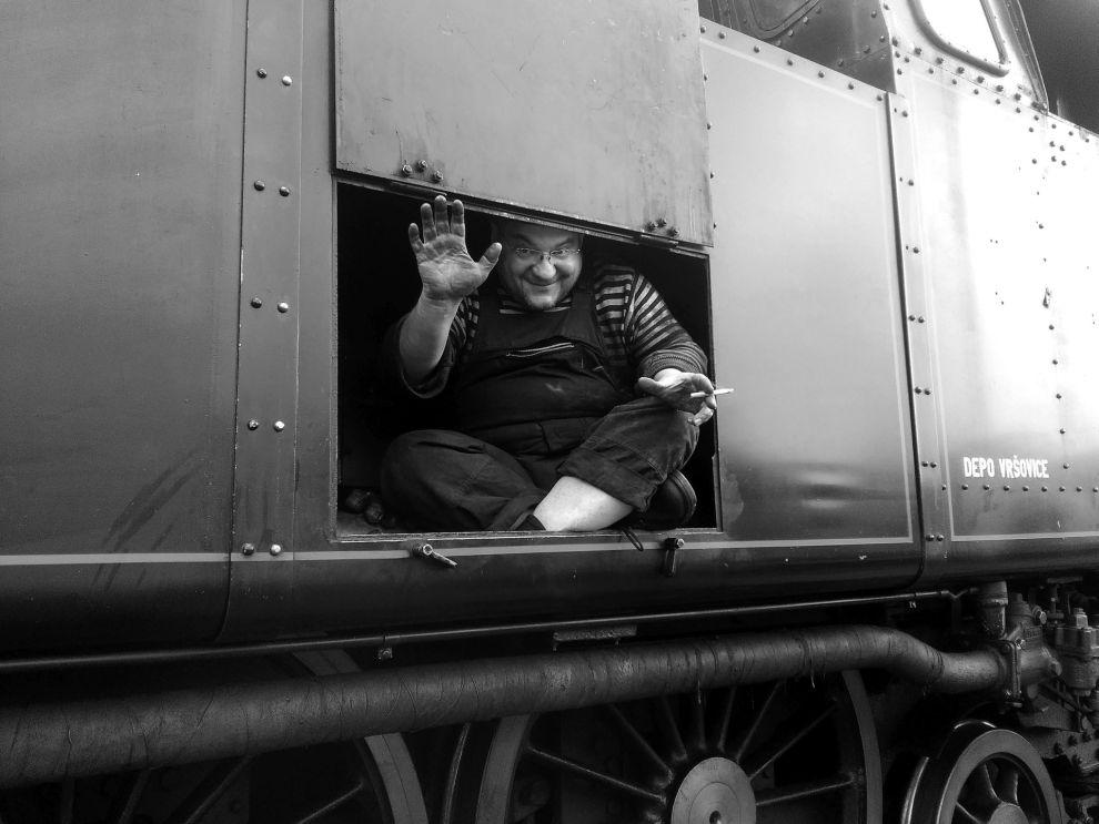 Bohumír Golda na stroji 464.102. Foto: archív Bohumíra Goldy