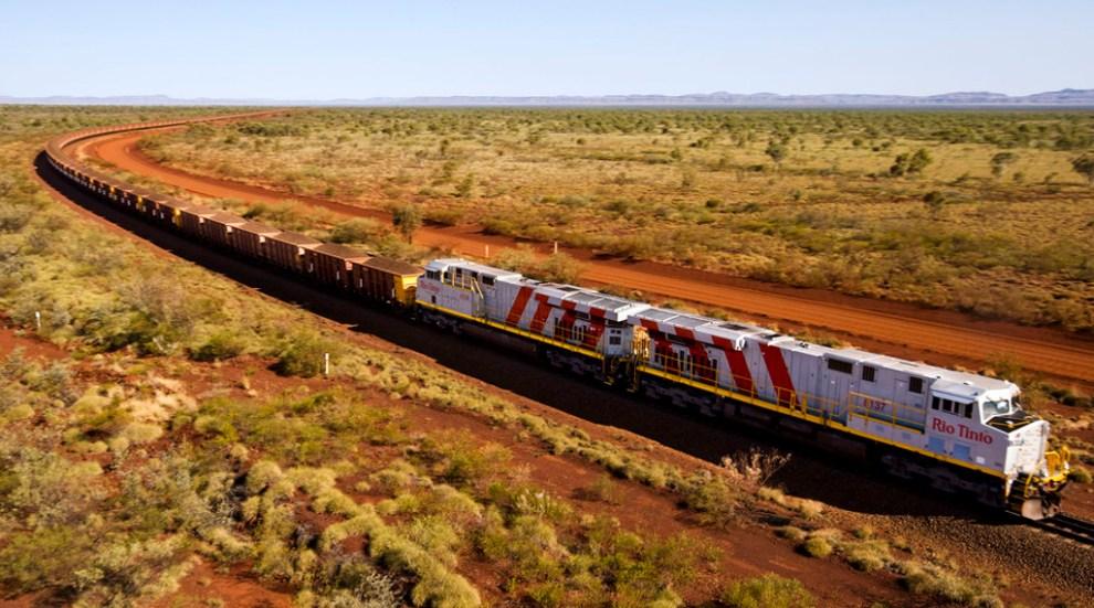 Vlak se železnou rudou v Západní Austrálii. Foto: Rio Tinto