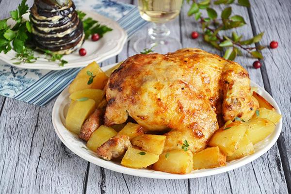 Картошка с курицей в духовке – 10 рецептов пошагово