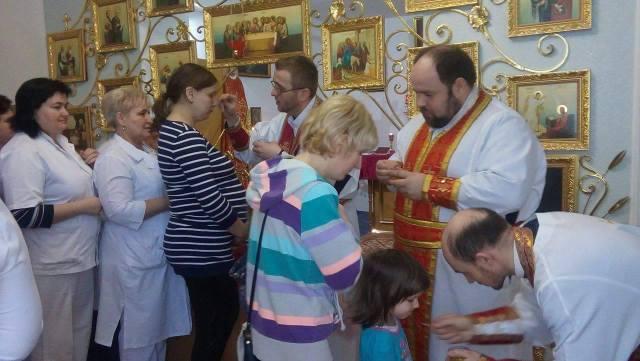 Моління за зцілення хворих дітей