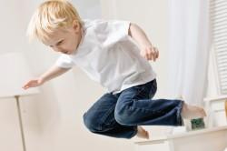 Если ребенок растянул ногу что делать