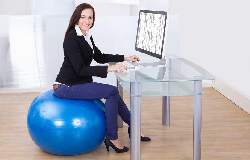 pilates lopta na poslu