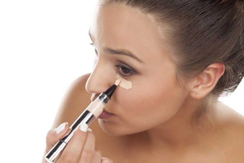 kako se nanosi korektor za lice