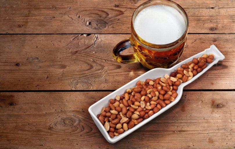 pivo i kikiriki