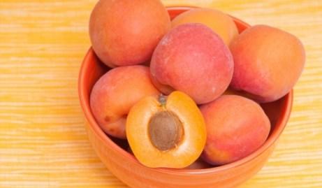 apricot-kaisievi-nuts