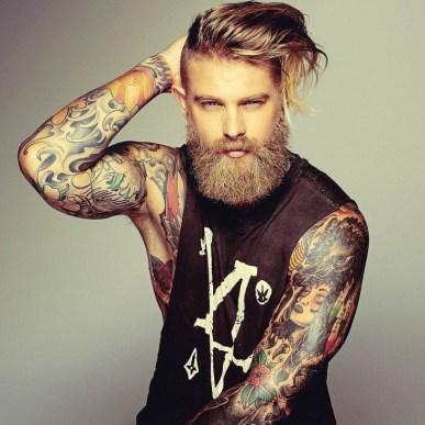 мъжете с татуировки