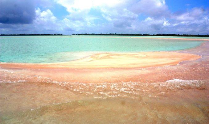розов плаж