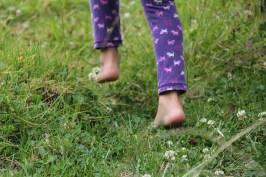 barefoot-482747_960_720