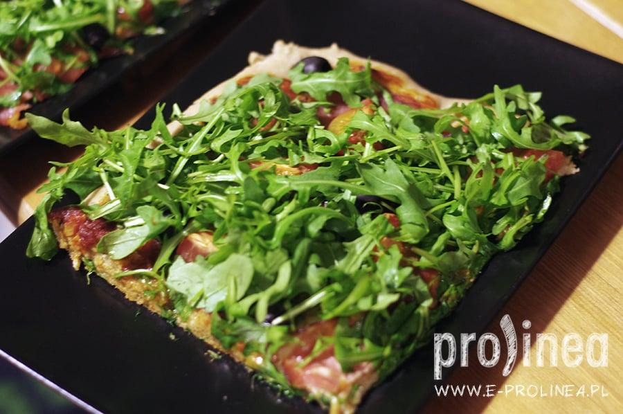pizza pełnoziarnista z rukolą
