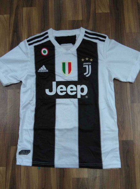 JuventusFootball-Jersey-And-Shorts-Home-18-19-Season-With-SCUDETTO-And-COPPA-ITALIA-Badge-Front