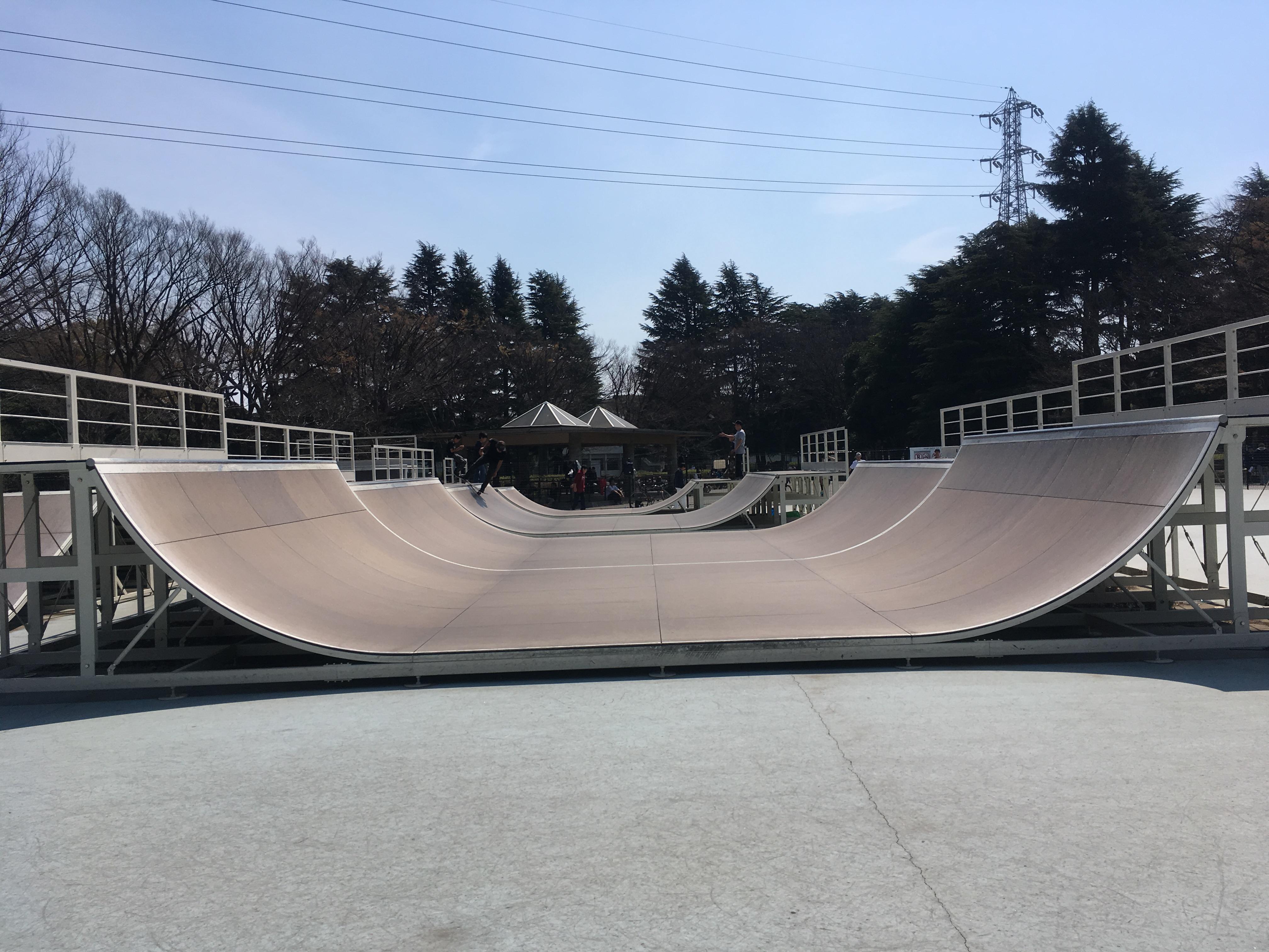 駒沢公園スケートパークの高さが4種類あるミニランプ