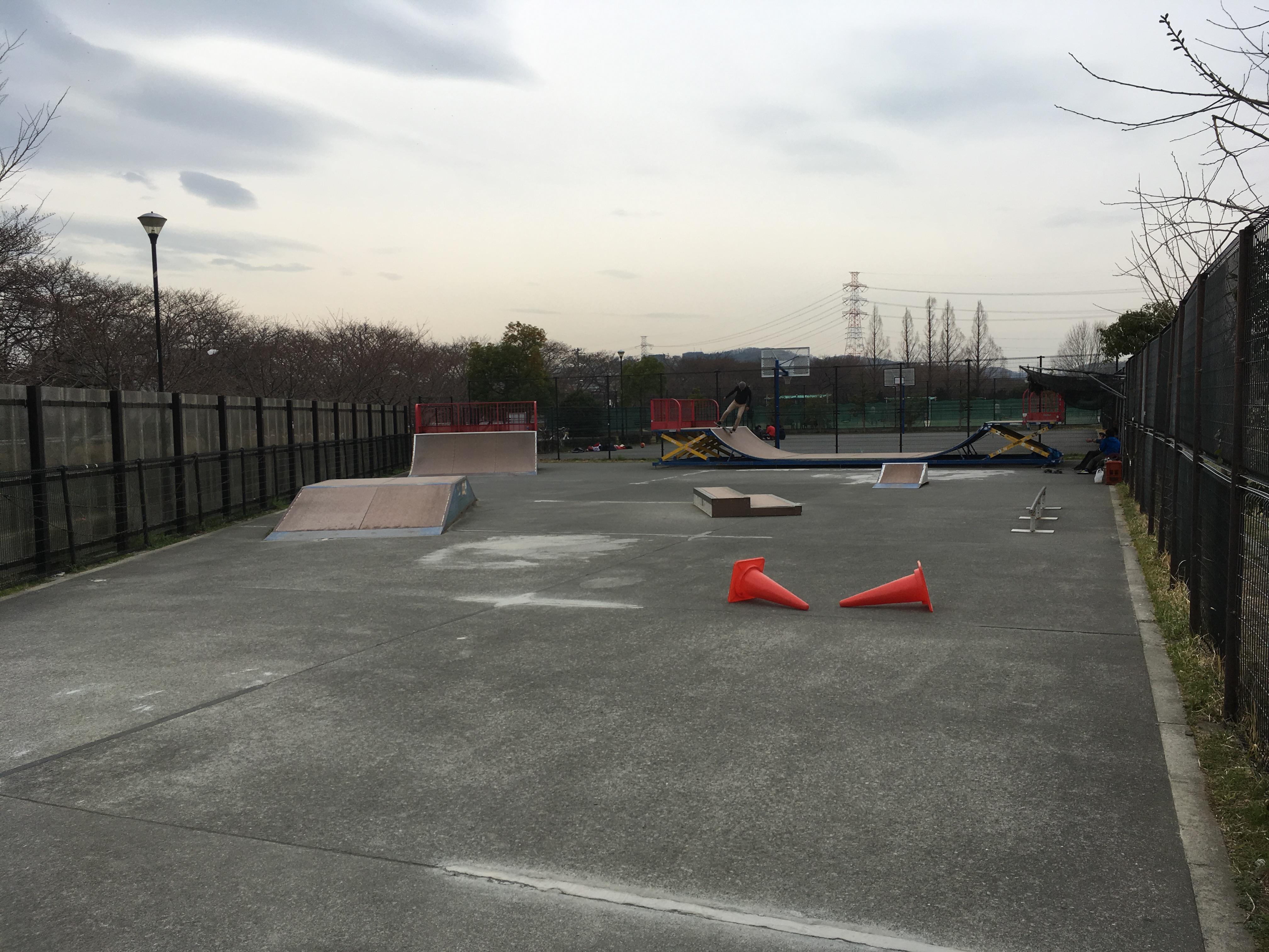 稲城北緑地多摩梨スケートパーク