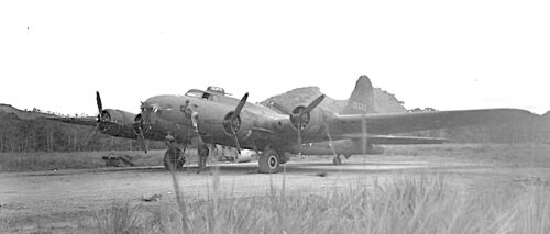 """Photo of B-17E #41-266, a.k.a. """"Lucy"""" and """"Old 666"""""""