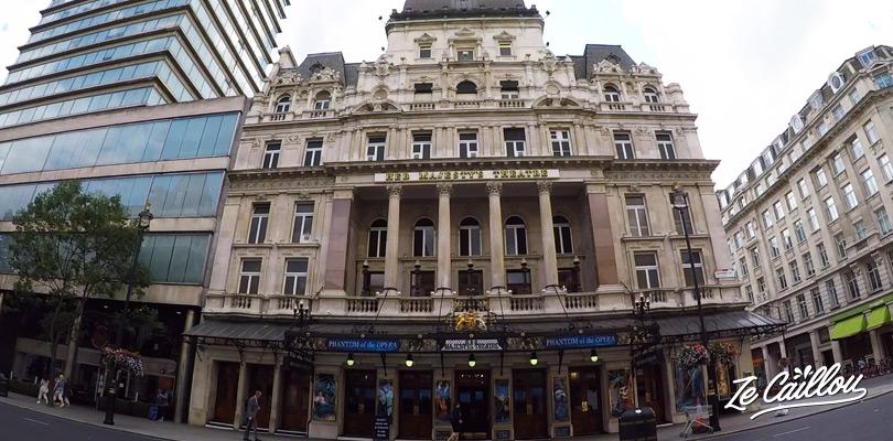 Assister à une comédie musicale dans le quartier de Soho à Londres.