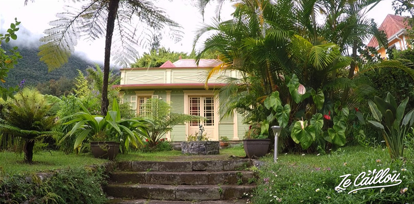 Spot some beatiful creole houses in the small villages of the Cirque de Salazie.