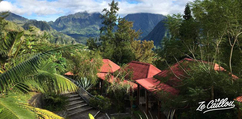 Les bungalow des Jardins d'Heva, hotel 2 étoiles dans le cirque de Salazie à la Réunion.