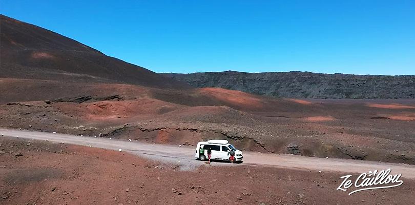 Faire un roadtrip en van à la Réunion.