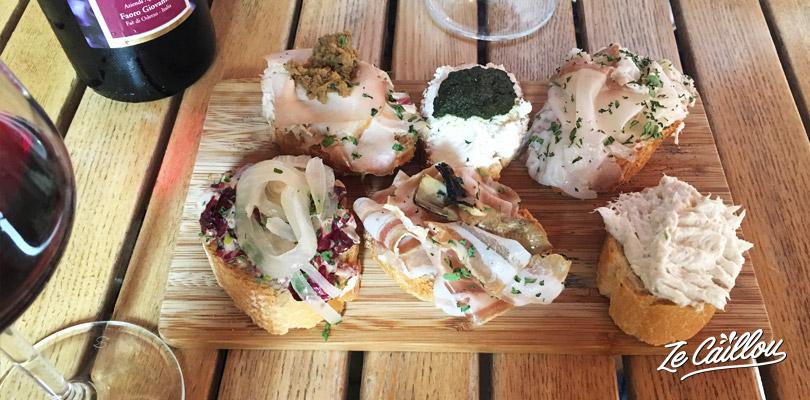 Visit Venice and taste the amazing venitian cicchetti in local osterias.