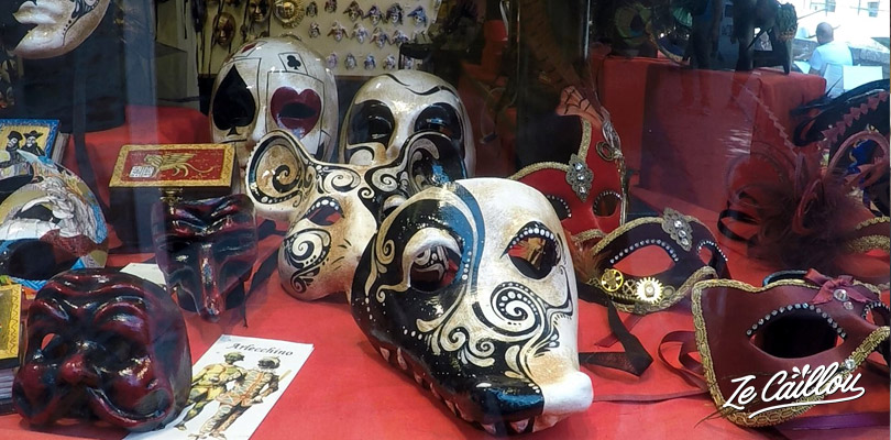 Buy a venitian mask during your trip in Venice in Italy.