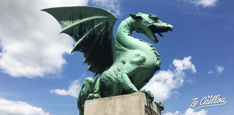 Le dragon de Ljubljana, l'emblème de la ville, de leur bière... en Slovénie.