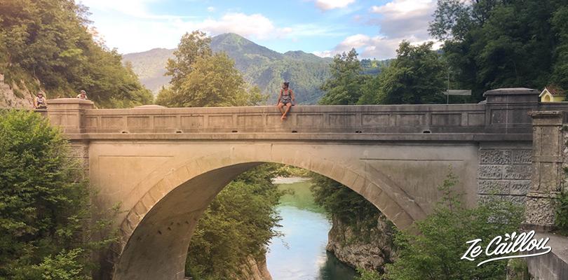 Le pont Napoléon dans la ville de Kobarid en Slovénie.