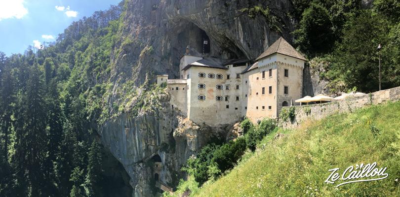 L'impressionnant château de Predjama en Slovénie.
