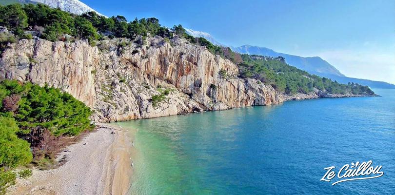 Plage de Brela proche de Makarska sur la côte Croate, super halte détente.