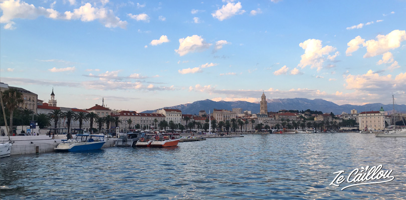 Discover Split waterfront with its clear blue water, yatchs, bars and restaurants.