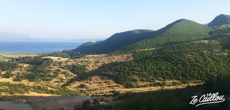 Le jolis paysages du centre de l'Albanie, découvrez les meilleurs spots dans ce blog de voyage.