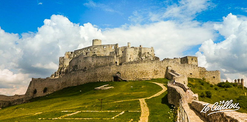 Traveling in Slovakia by van ? Make a detour to Spis castle, close to Levoca