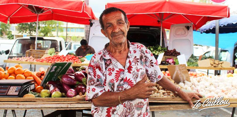 Privilégier les produits locaux, et les marchés forains pour faire vos courses, un des gestes pour la planète.