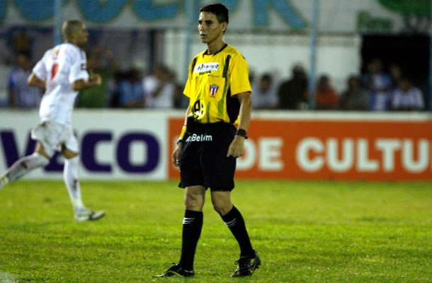 Foto Joelson Silva dos Santos apita PFC e Águia