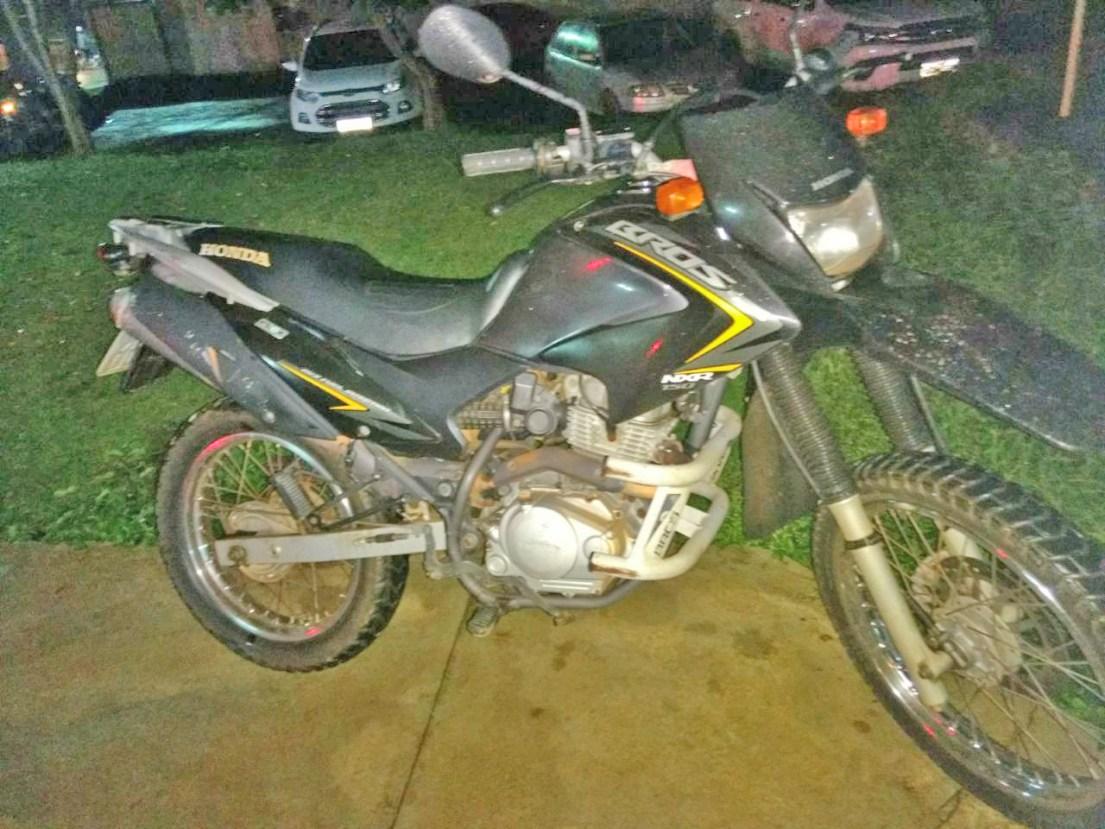Roubo de moto Bros