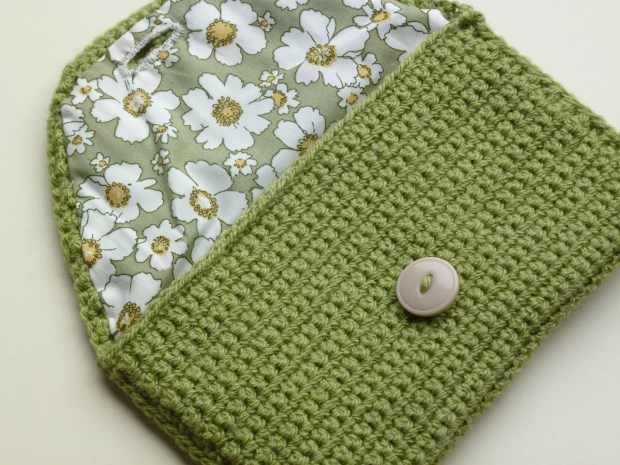open crochet purse with lining