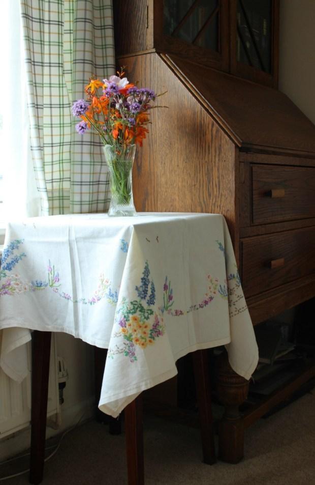 table n flowers