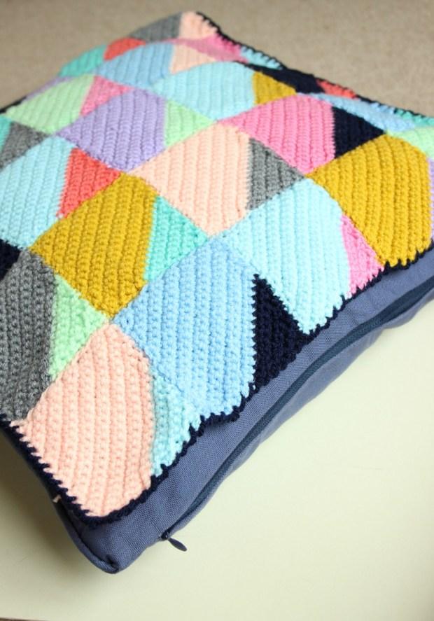 crochet-cushion-cover