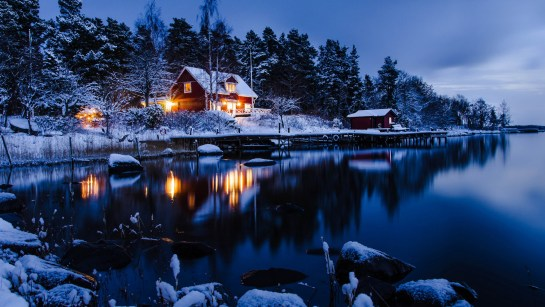 Snow Lake Side House Evening 4K Wallpapers Download Note 20