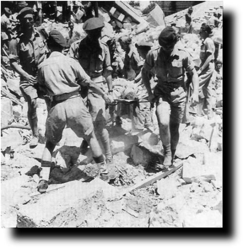 חללים מוצאים ממלון המלך דוד שפוצץ על ידי אצל