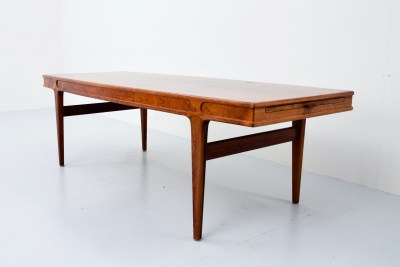 Coffeetable F102 by Johannes Andersen for Nya Möbelfabriken in Rosewood and 2 extractable leaves, Denmark, 1960's F102 by Johannes Andersen for Nya Möbelfabriken in Rosewood and 2 extractable leaves, Denmark, 1960'sA2304