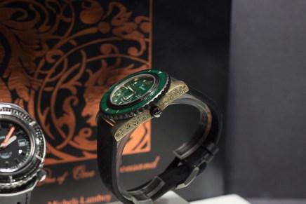 Zwei Trends - eine Uhr - Gehäuse aus Bronze und handgearbeitete Gravuren. Hier bei einem Prototypen der italienischen und kaum bekannten Traditionsmarke Squale. Das Gehäuse der Taucheruhr setzt mit der Zeit Patina an. Die Gravuren stammen von Mario Terzi, einem bekannten Meister-Graveur.