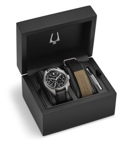 Bulova Moonwatch 96B251_Box