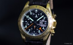 Fortis Official Cosmonaut aus 18K Gold
