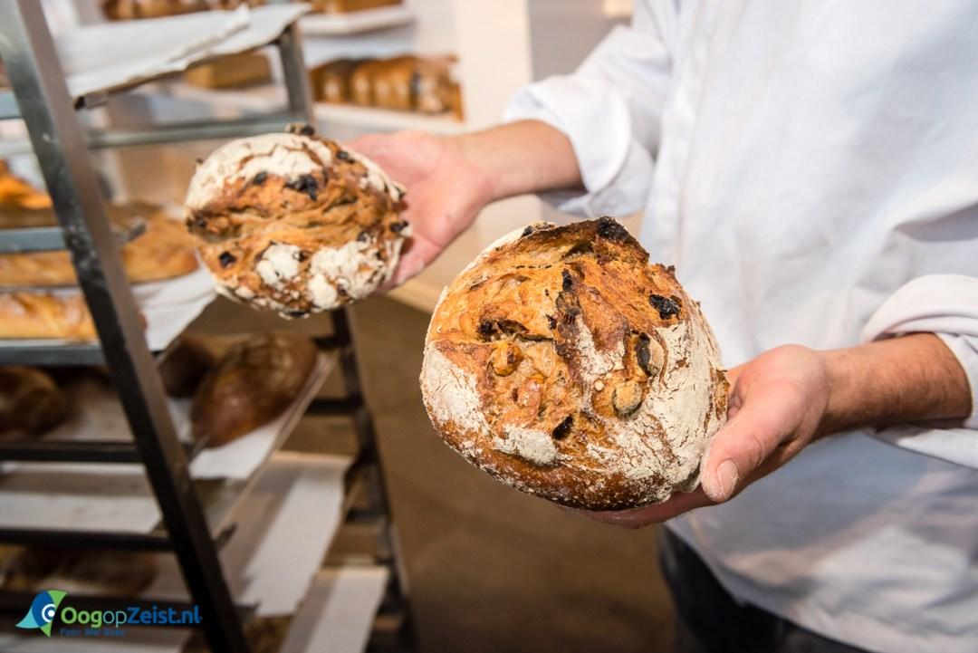 Bakkerij van Asperen bakt zuurdesembrood aan de slotlaan