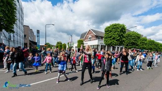 Flashmob van de Montessorischool Sumatralaan