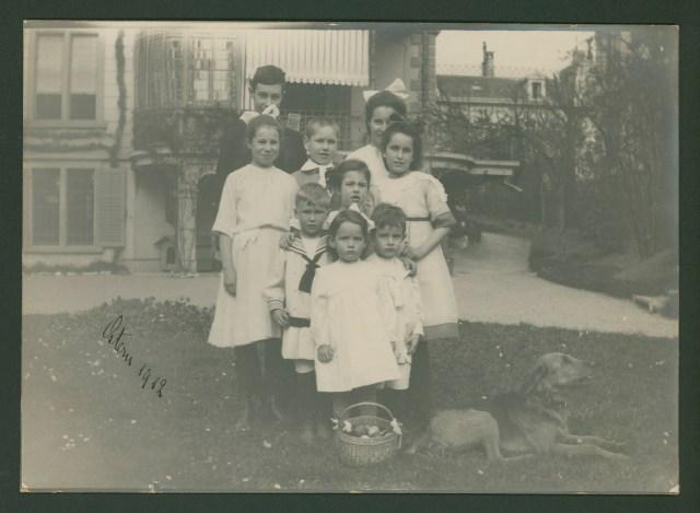 Neun Enkelkinder Wenner an Ostern 1912