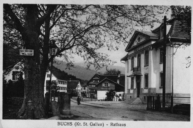 Dorfpartie in Buchs beim Gemeindehaus, 1919
