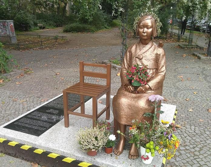 Kampf um Erhalt der koreanischen Friedensstatue in Berlin
